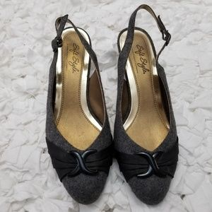 Hush Puppies Soft Style Comfort Dress Shoes.